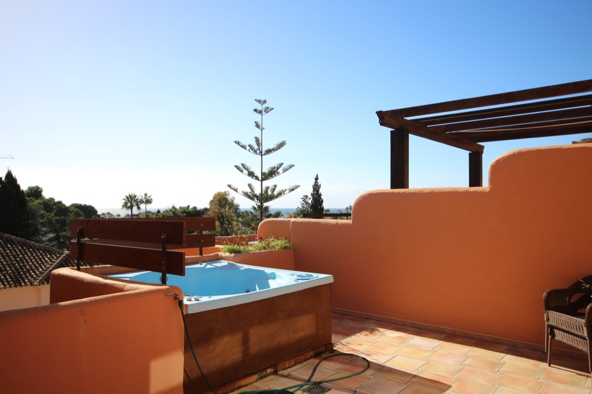 Apartment, Penthouse  for sale    in El Paraiso