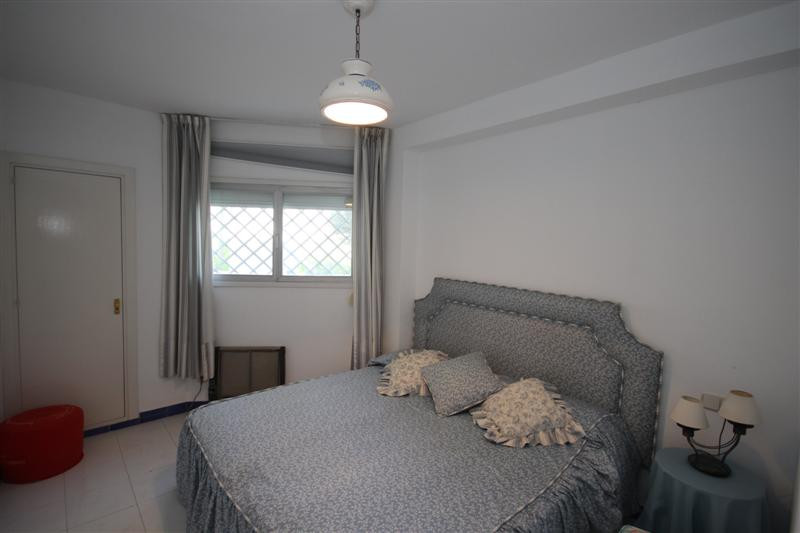 Apartment Middle Floor for sale in Guadalmina Baja, Costa del Sol