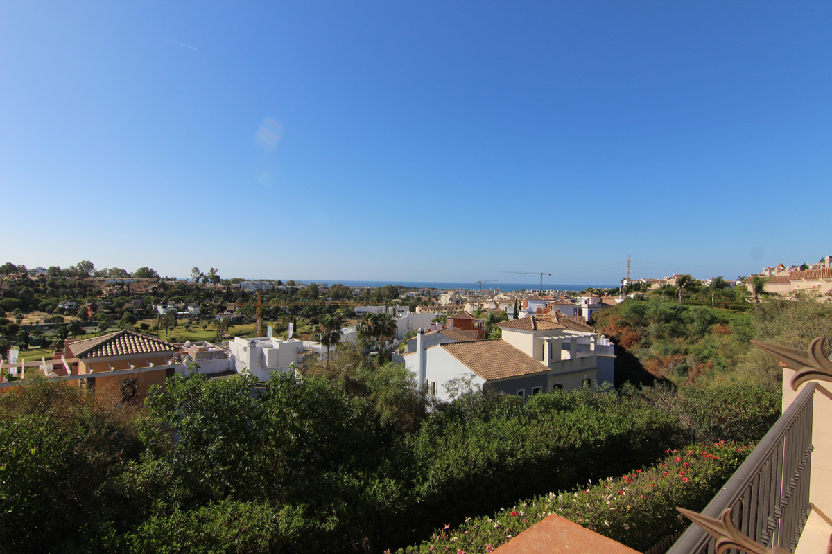 Townhouse Terraced for sale in El Paraiso, Costa del Sol