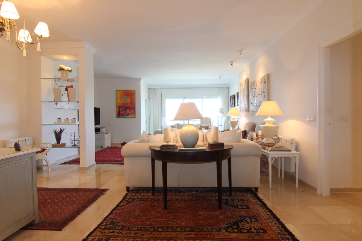Apartment Middle Floor for sale in Guadalmina Alta, Costa del Sol