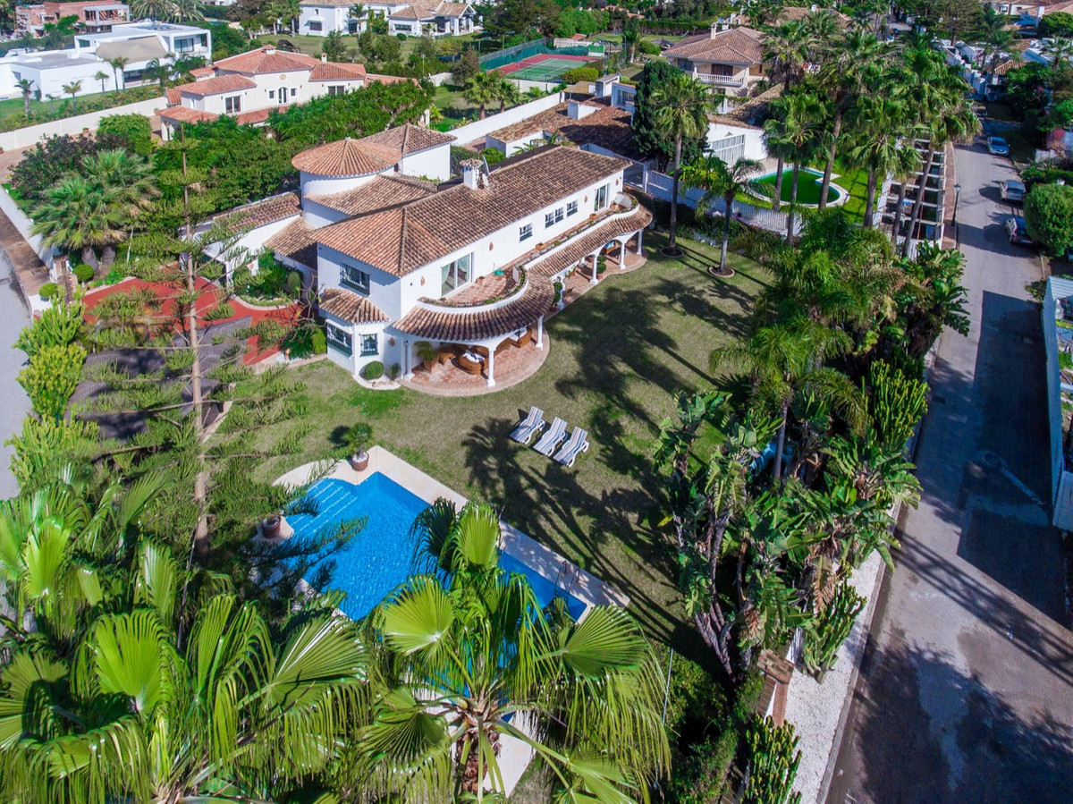 Villa Detached for sale in Guadalmina Baja, Costa del Sol