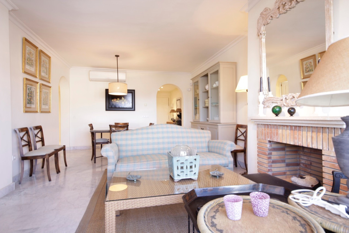 Apartment Penthouse for sale in Guadalmina Baja, Costa del Sol