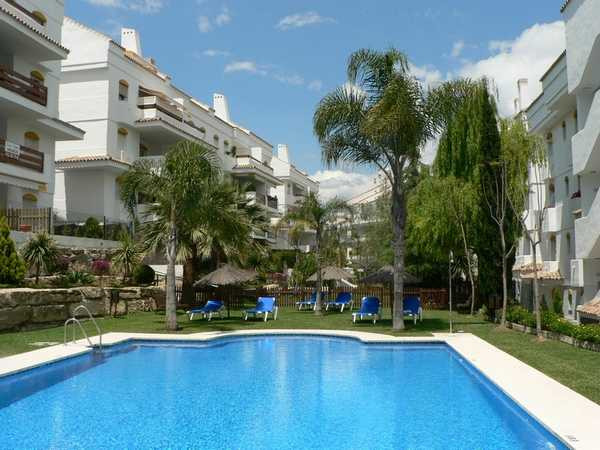 Apartment, Penthouse  for sale    in Guadalmina Baja