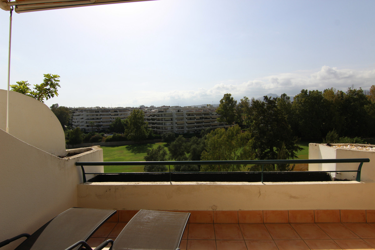 Apartment Penthouse for sale in Guadalmina Alta, Costa del Sol