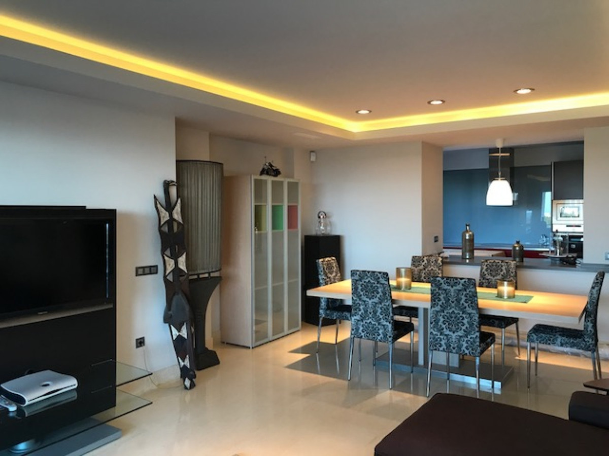 Apartment Middle Floor for sale in Benahavís, Costa del Sol