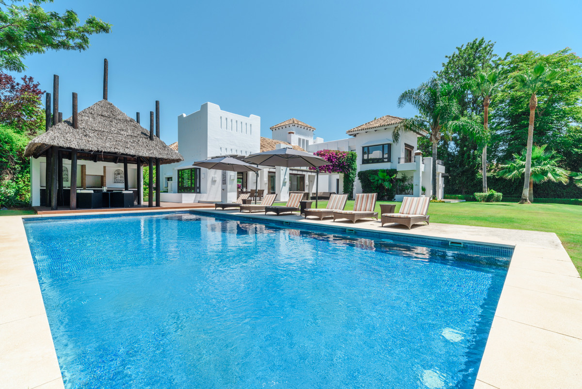 Most elegant and spectacular villa in Guadalmina Baja, one of the most desired and demanded urbaniza,Spain