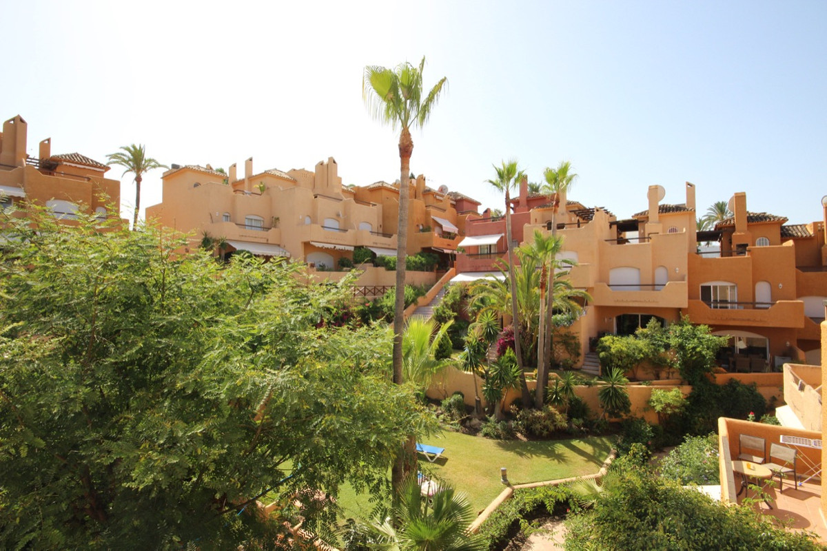 Townhouse Terraced for sale in Nueva Andalucía, Costa del Sol