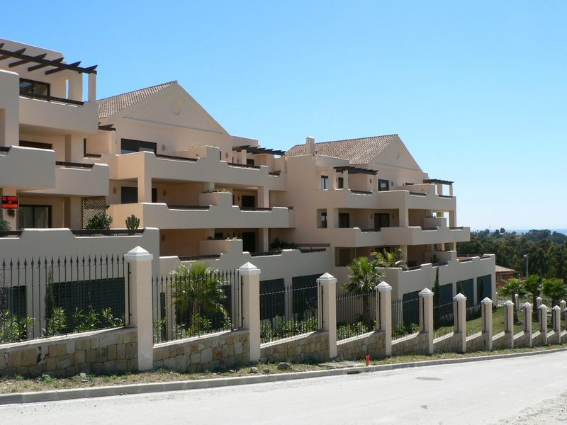 Apartment Ground Floor for sale in Benahavís, Costa del Sol