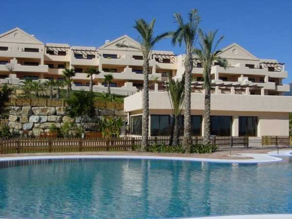 Apartment, Penthouse  for sale    in Estepona