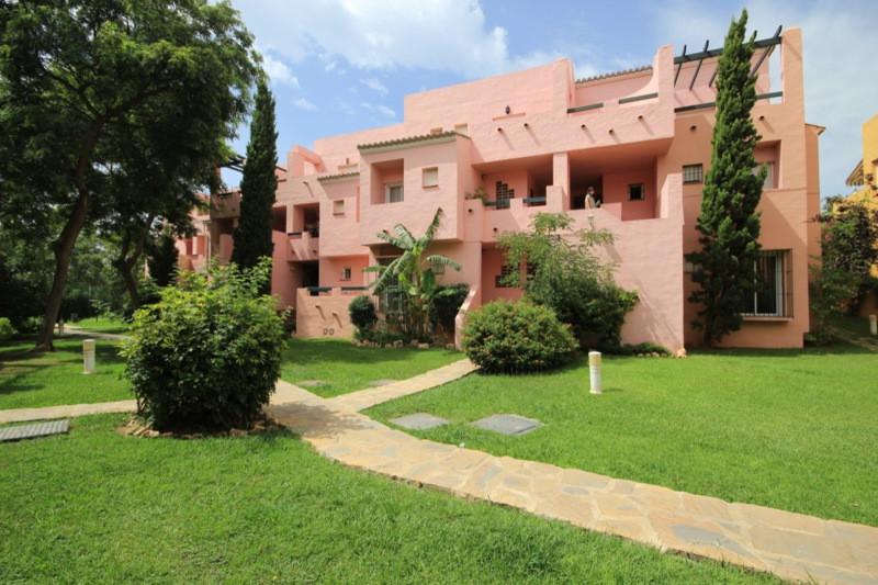 Apartment, Ground Floor  for sale    in Guadalmina Alta