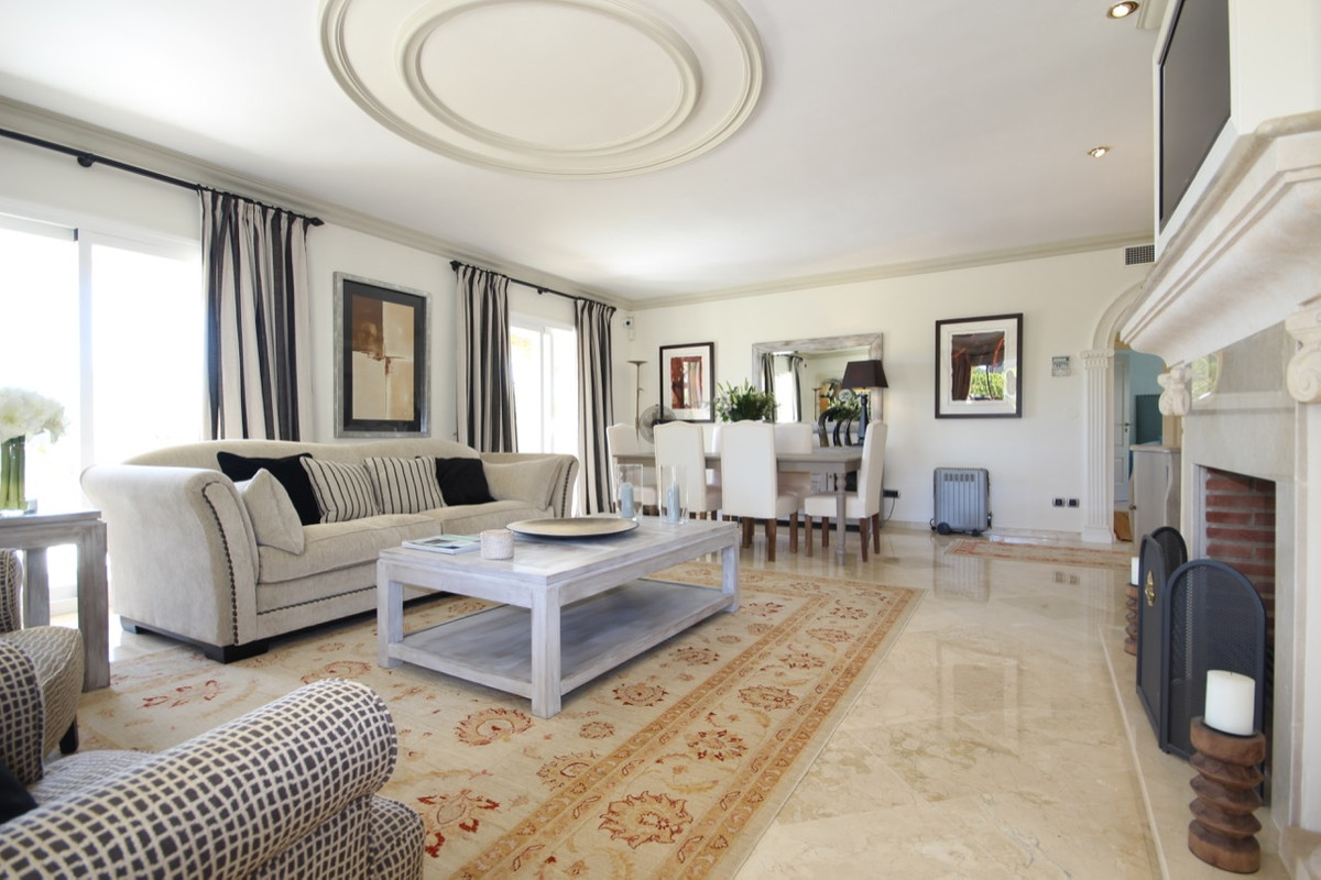 Apartamento, Ático  en venta    en Guadalmina Alta