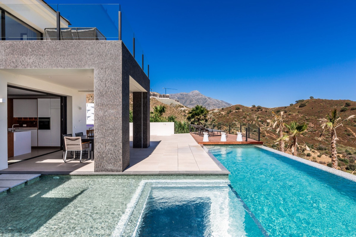 Villa Detached for sale in La Quinta, Costa del Sol