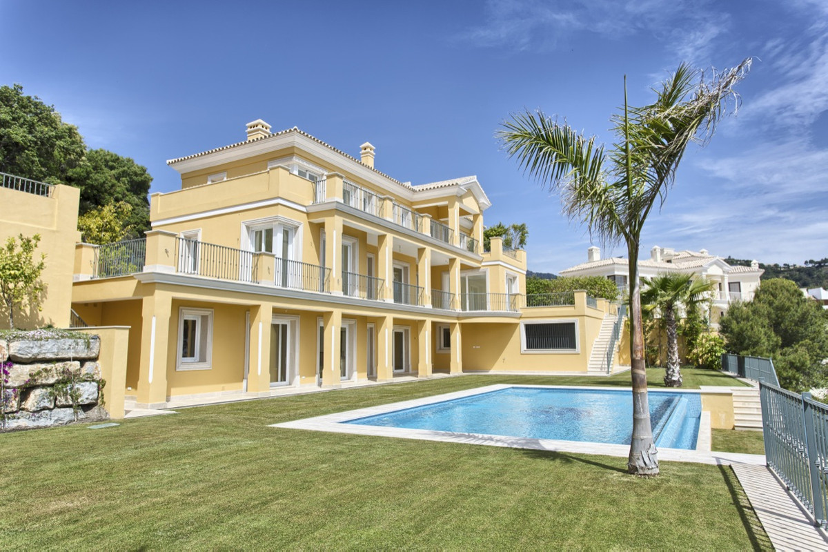 Villa, Detached  for sale    in Los Arqueros