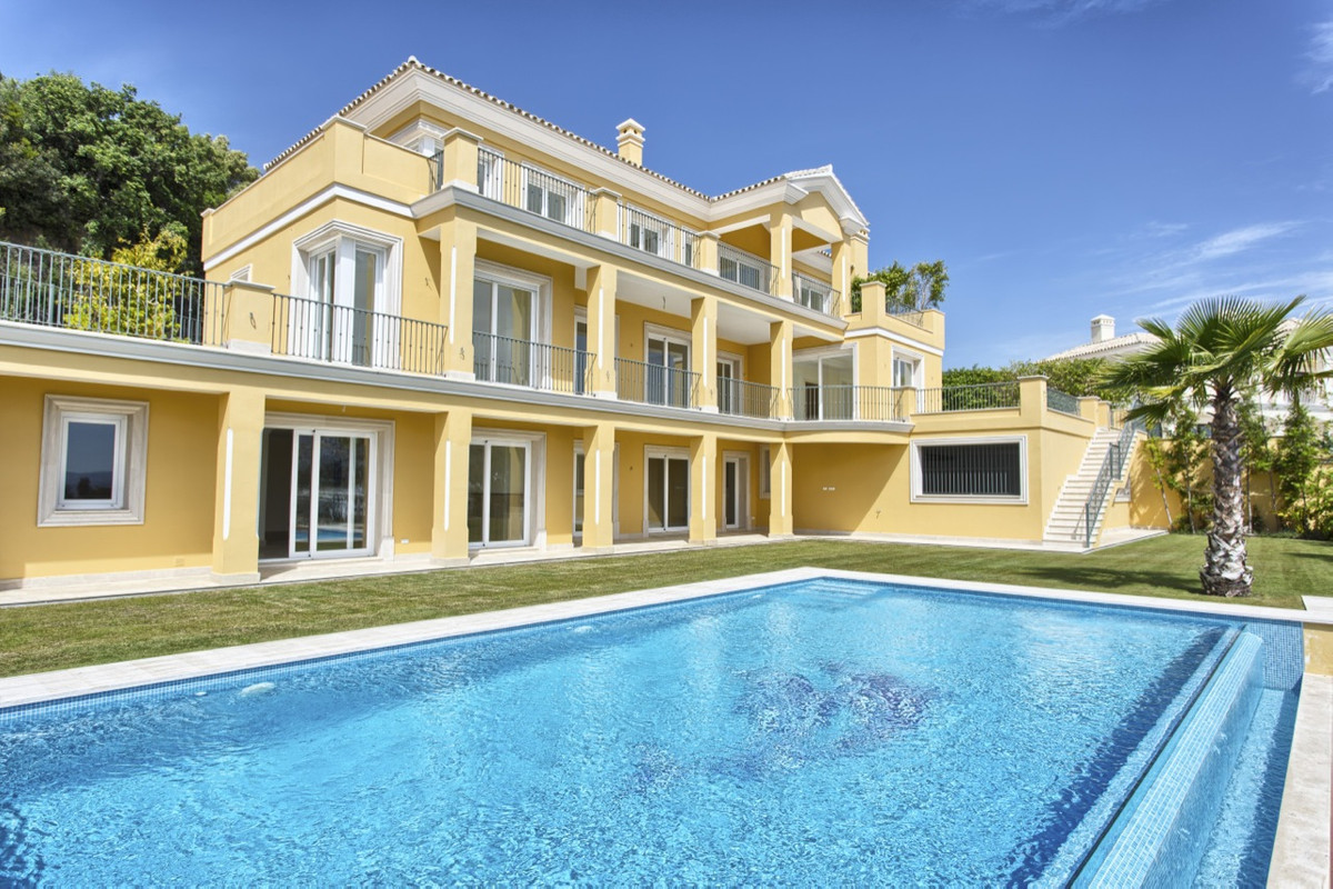 Villa Detached for sale in Los Arqueros, Costa del Sol