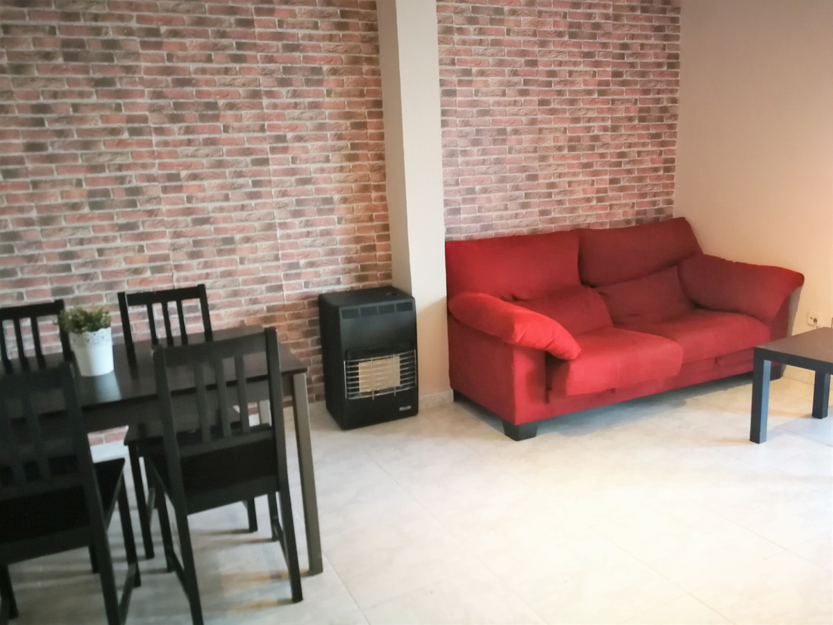 Apartment in the Rafal Vell area near Aragon street and a three-bedroom and a complete bathroom suit,Spain