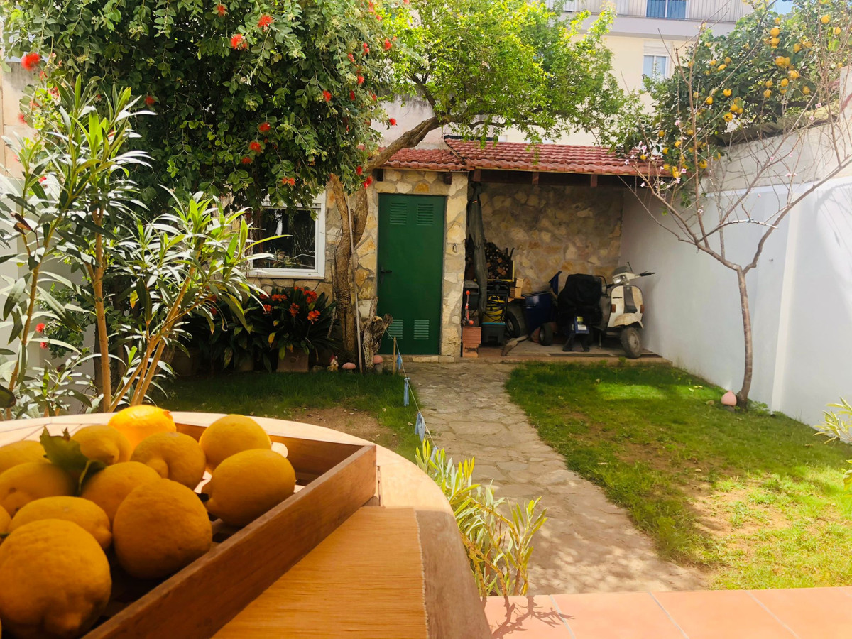 Santa Catalina area single-family house of 3 heights with 222 m2 and 56 m2 garden and storage room, ,Spain
