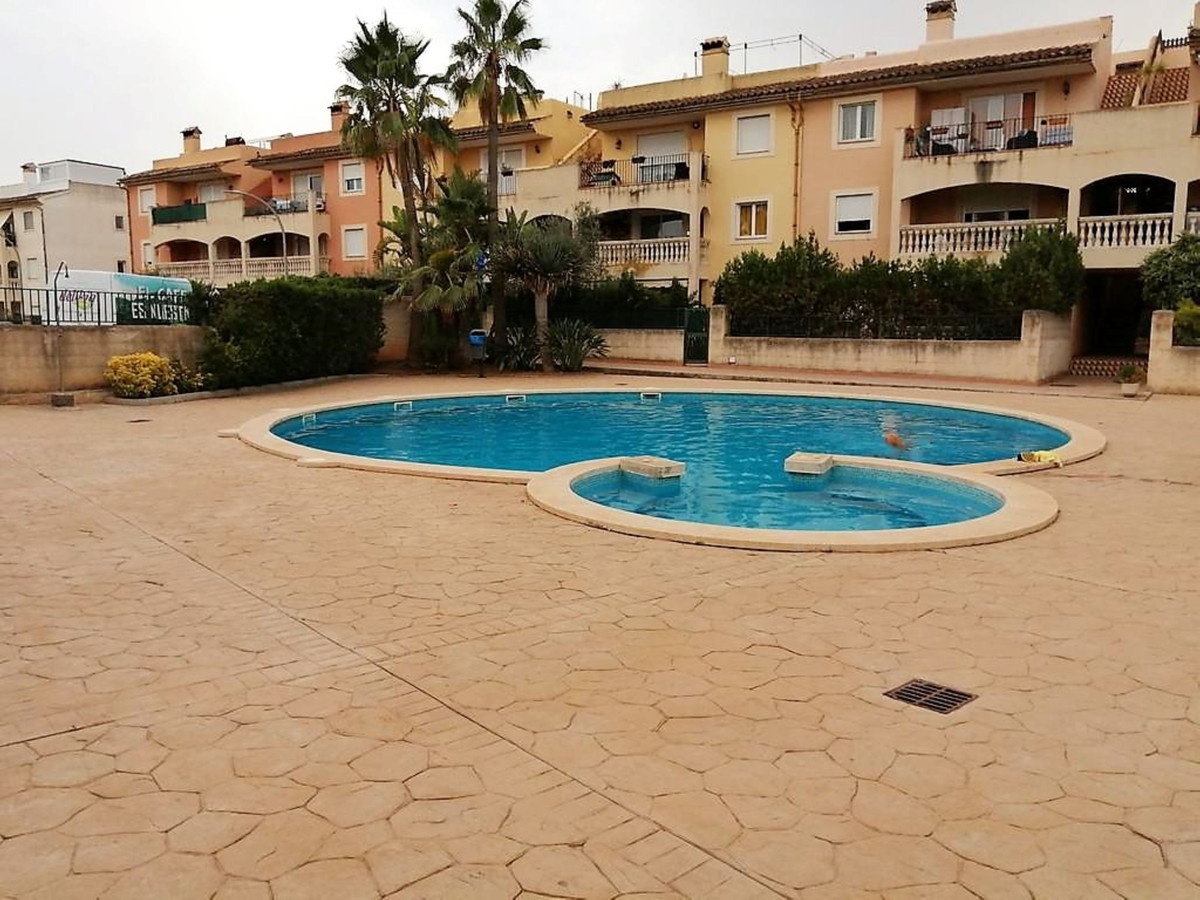 Es Caulls (Marratxi) Ground Floor of 140 m2 built, with two terraces, a front 30 m2 and a rear 40 m2,Spain
