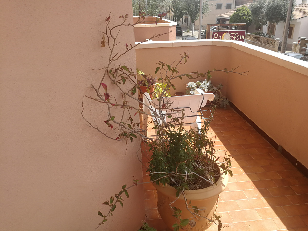 Son Ferriol. (Palma) floor of 100 m2 with terrace of 23 m2, 1st floor with elevator, has 3 double be, Spain