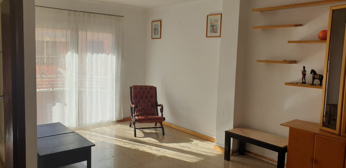Bank flat with financing facilities. Fourth floor with elevator in Calle Femenies, Camp D´En Serralt, Spain