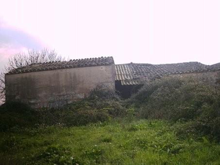 RUSTICA DE 14200 m2,CON CASA DE 100m2 NECESITA REFORMA,POZO, AGUA CORRIENTE CERCA,Spain