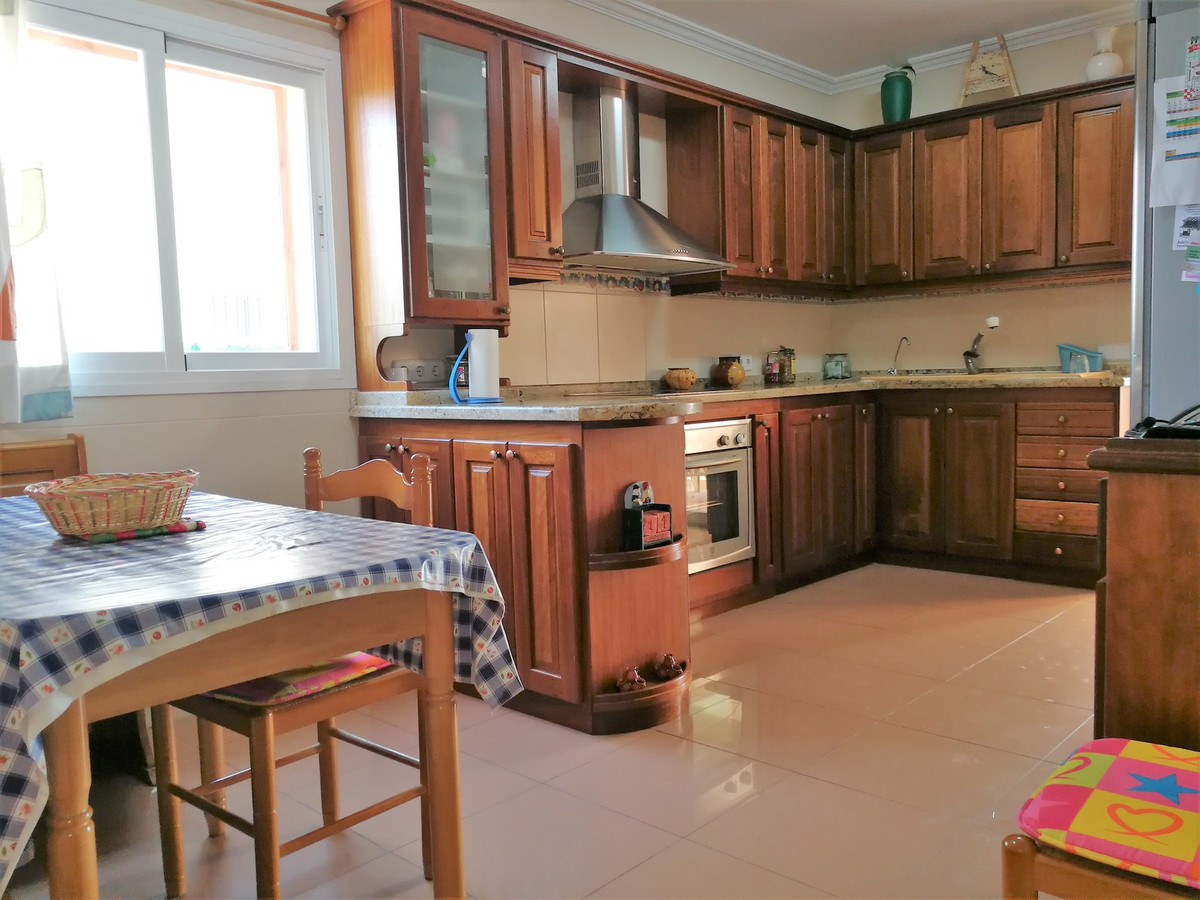 SES  VINYES DE SON VERI (Marratxi) large semi-detached house has 237 m2 built, in basement 85 m2 con, Spain