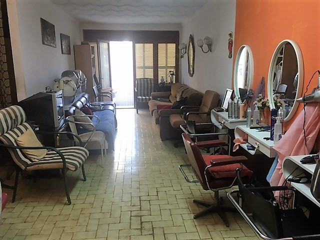 Consell local currently hairdresser can be converted into housing has 99 m2 with a bathroom l, local,Spain