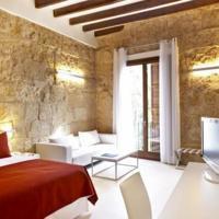 Hotel boutique en pleno casco antiguo de Palma en la zona de la Calatrava a 500 m de la plaza Santa ,Spain