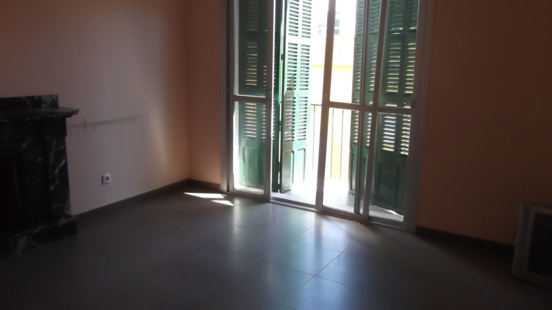 Ultimo piso situado en la zona del corte Ingles de las Avenidas dispone de ascensor ,piso reformado ,Spain