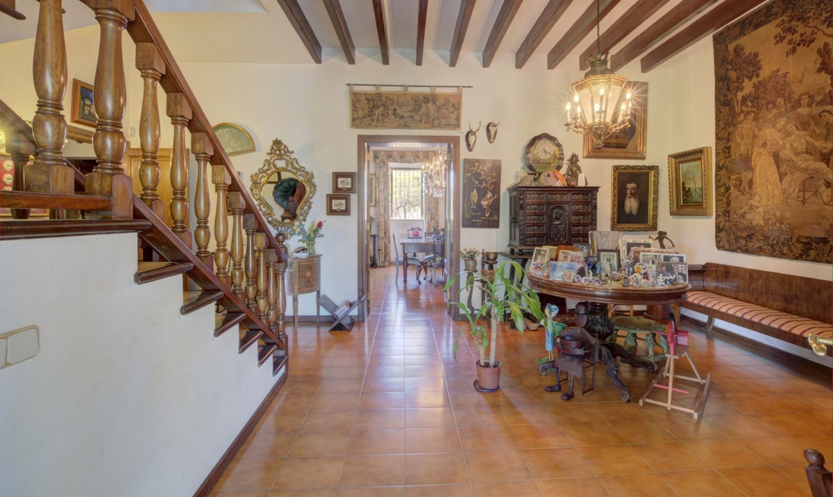 House at the end of Marratxi Nebot Son Bunola old road has an area of ??24000 m2 with house of 800 m,Spain