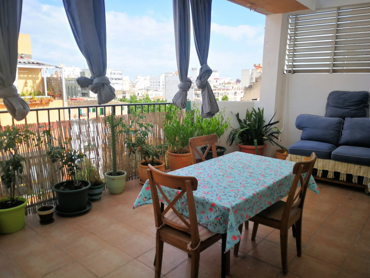 Beautiful penthouse of 96m2 + 20m2 of terrace and 2 balconies of 4m2 and 3m2, very bright living-din, Spain