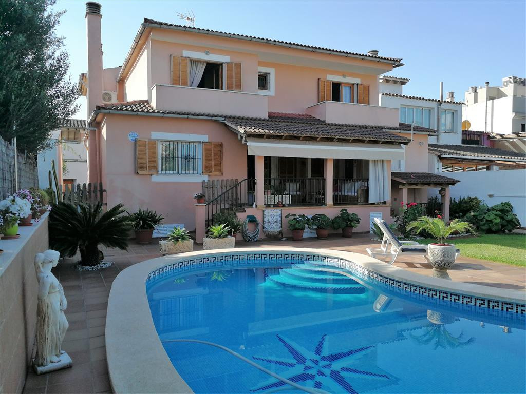 Son Rapina (Palma) villa on a plot of 536 m2 with a house of 334 m2, with garden and pool and severa, Spain