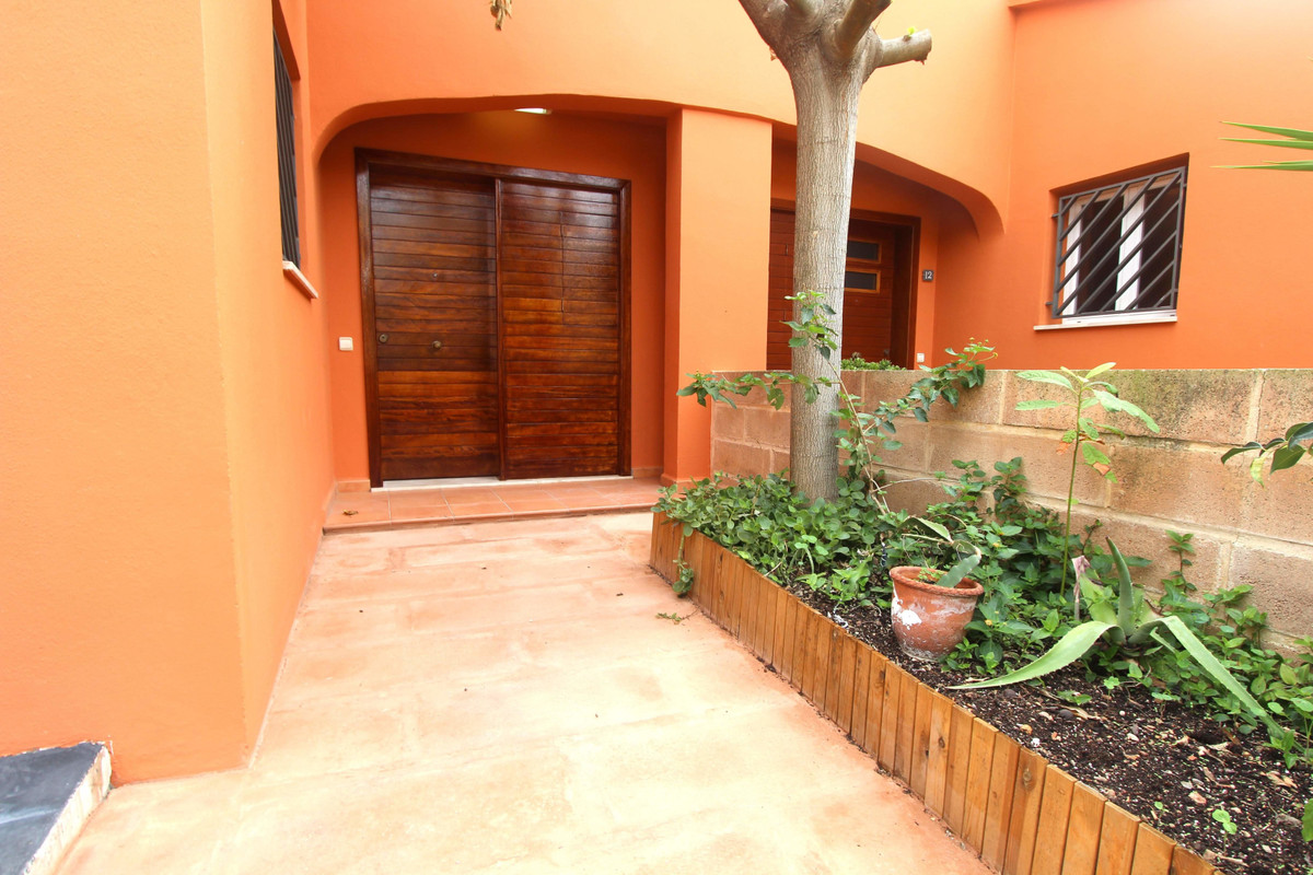 Chalet in Son Xigala near the schools, Ground floor has a hall kitchen and living room, dining room,, Spain