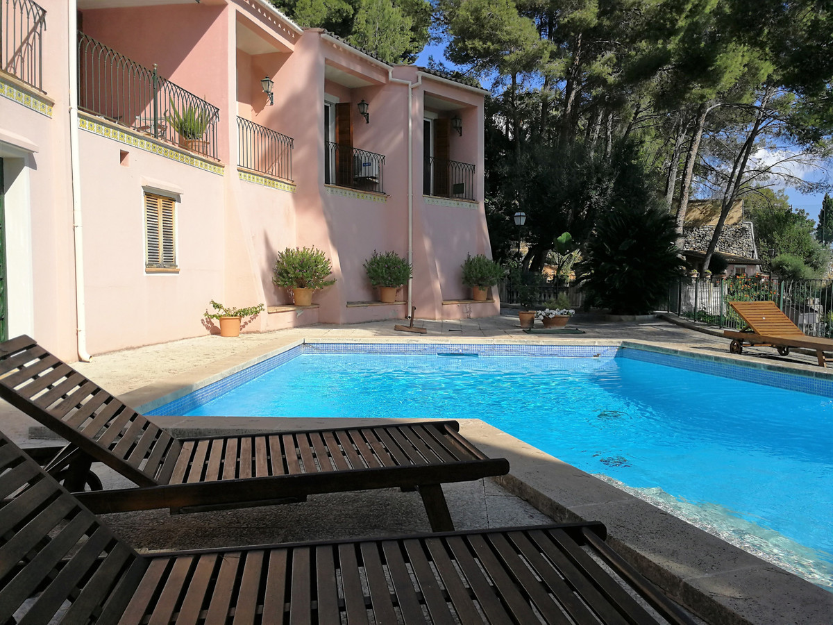 Chalet in the upper part of Son Vida with spectacular views overlooking the sea, Cathedral, Sa Burgu,Spain