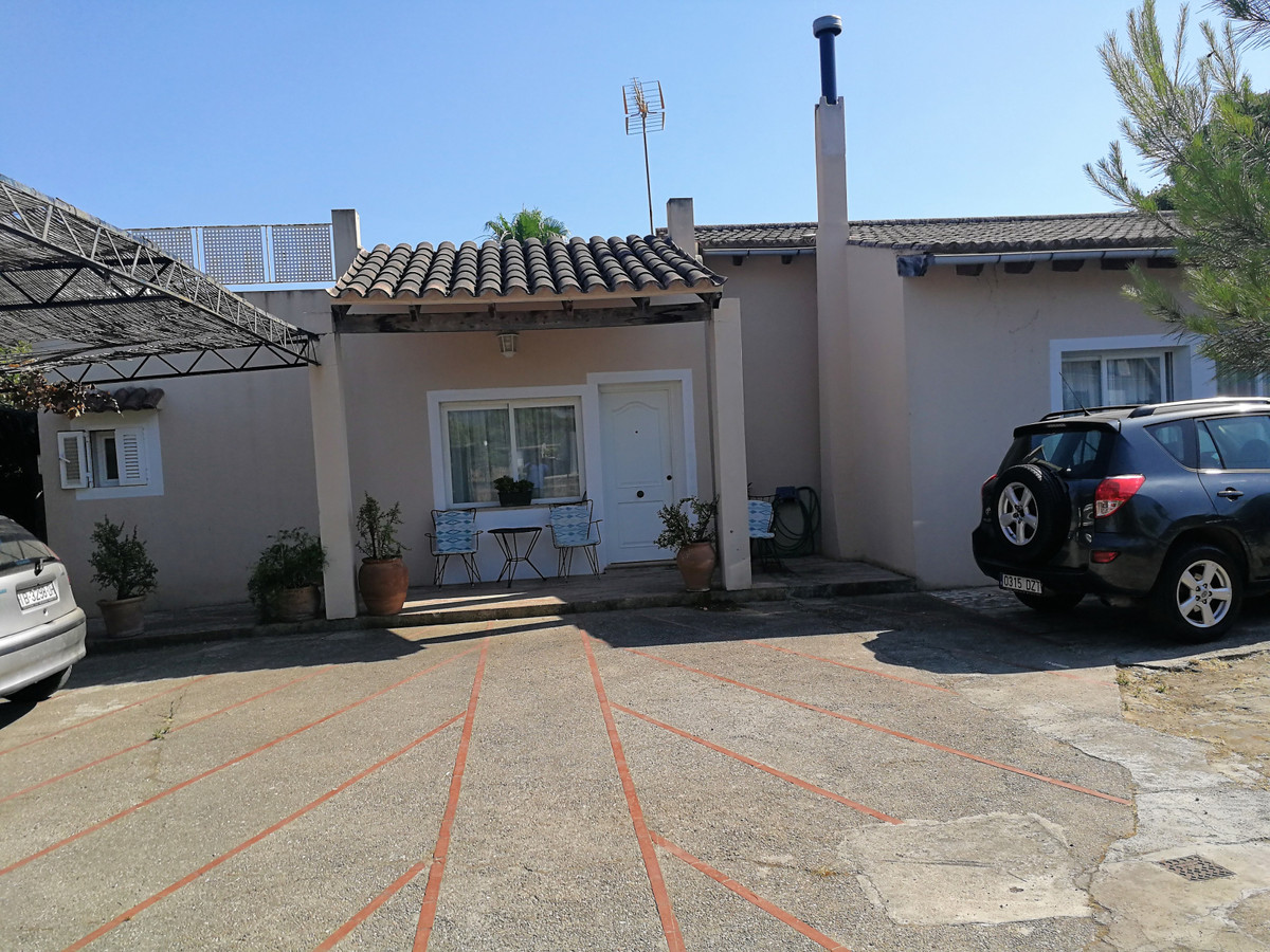 Son Espanol (Palma), two houses are sold the same two with 3 bedrooms each and two bathrooms, living, Spain