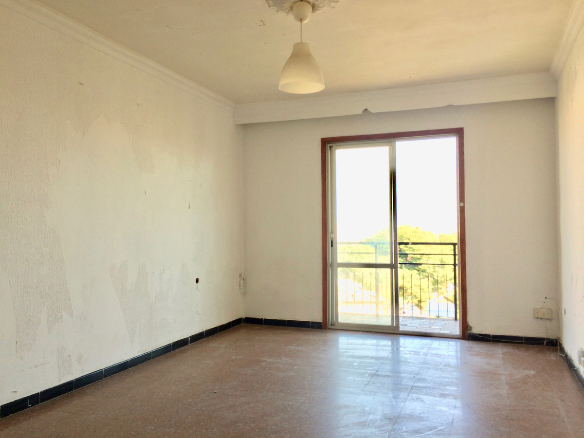 Flat in Son Cladera is a 5th floor without elevator has three bedrooms, bathroom, kitchen .and small,Spain