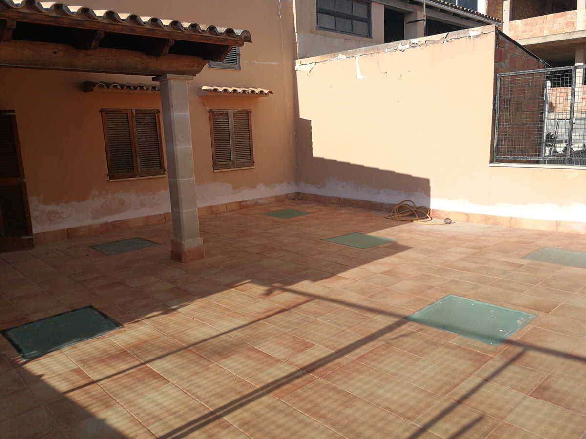 1st  floor free roof with right of flight, has 128.40 m2 with a terrace of about 64 m2 with three be,Spain