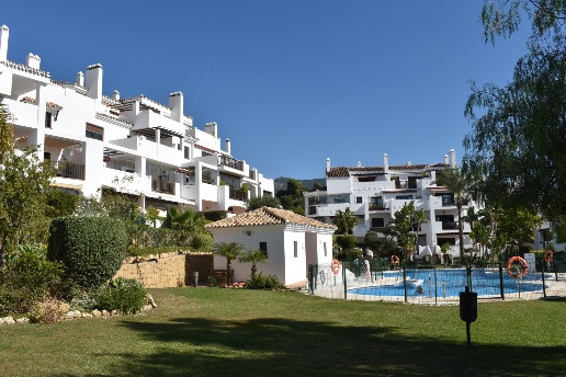 A SUPERBLY APPOINTED PENTHOUSE APARTMENT WITHIN THIS HIGHLY DESIRABLE GATED URBANIZATION BETWEEN FUE, Spain