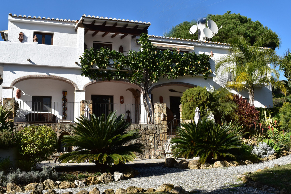 Superb rustic villa offering flexible accommodation with separate apartments ideal for guests, live ,Spain