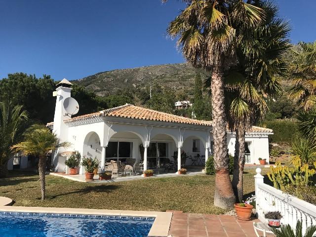 Villa 3 Dormitorios en Venta Mijas