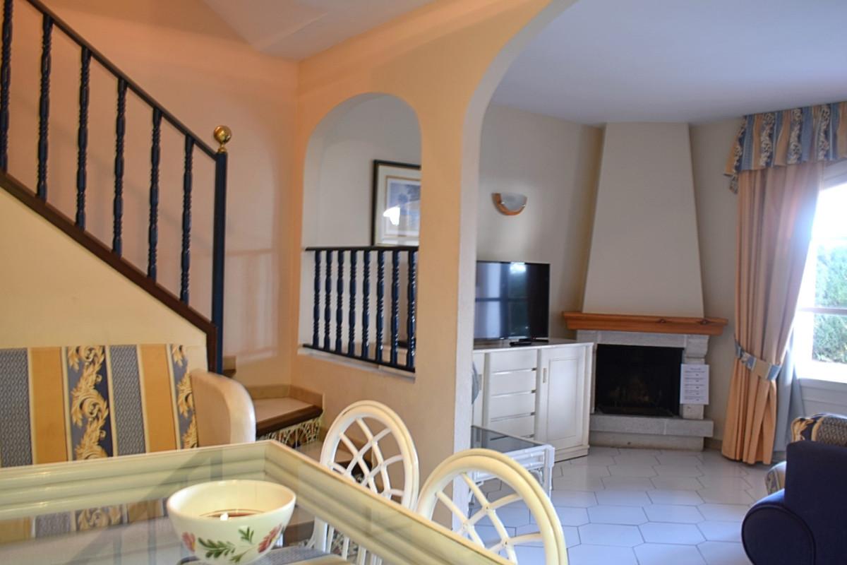 Apartamento Planta Media en Venta en Marbesa – R3529840