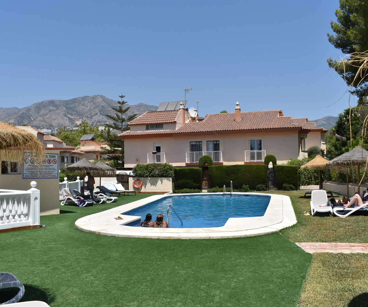 SUPERB AND RARE OPPORTUNITY TO ACQUIRE A SPACIOUS TOWN HOUSE IN THIS SOUGHT AFTER AND CONVENIENTLY L,Spain