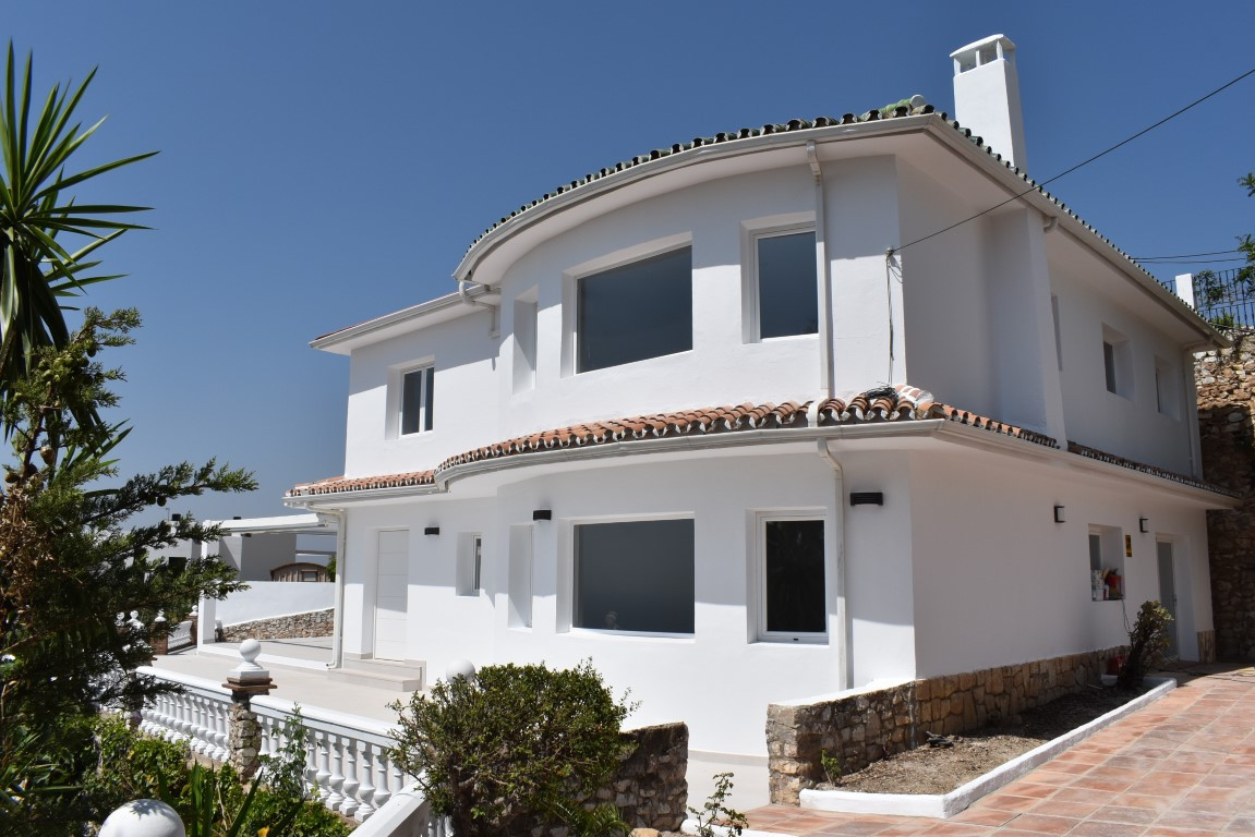 SOLE AGENCY.  SUPERB OPPORTUNITY. A LUXURY, FULLY REFORMED VILLA CLOSE TO MIJAS VILLAGE.  PANORAMIC , Spain