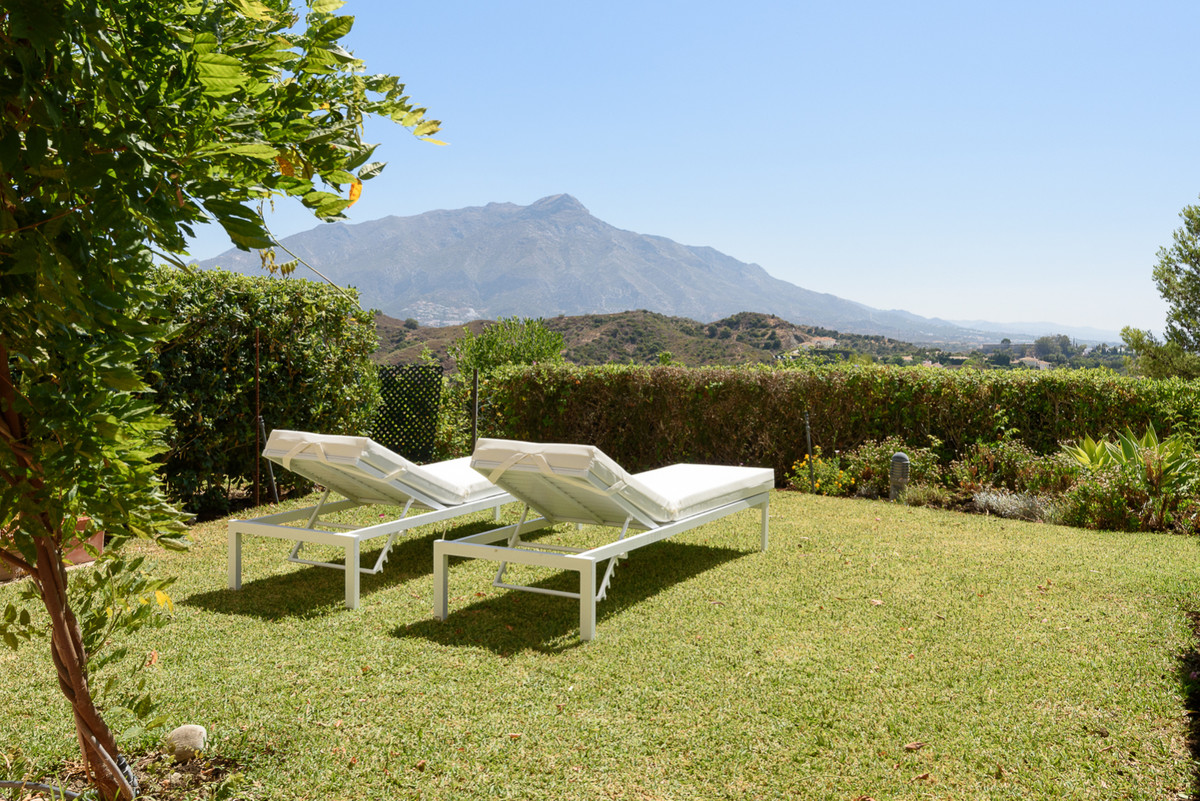 Townhouse in La Quinta Hills beautifully presented and with panoramic views to the Mediterranean Sea, Spain