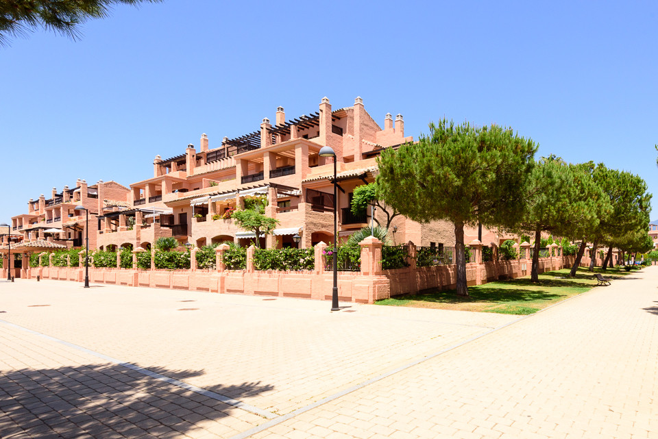 3 bedroom apartment for sale in Hacienda del Sol. This well presented groundfloor apartment is locat, Spain