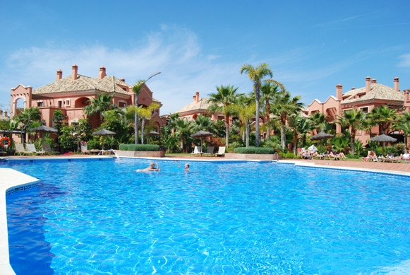 Located in the exclusive La Alzambra urbanisation and in walking distance of Puerto Banus with its p,Spain