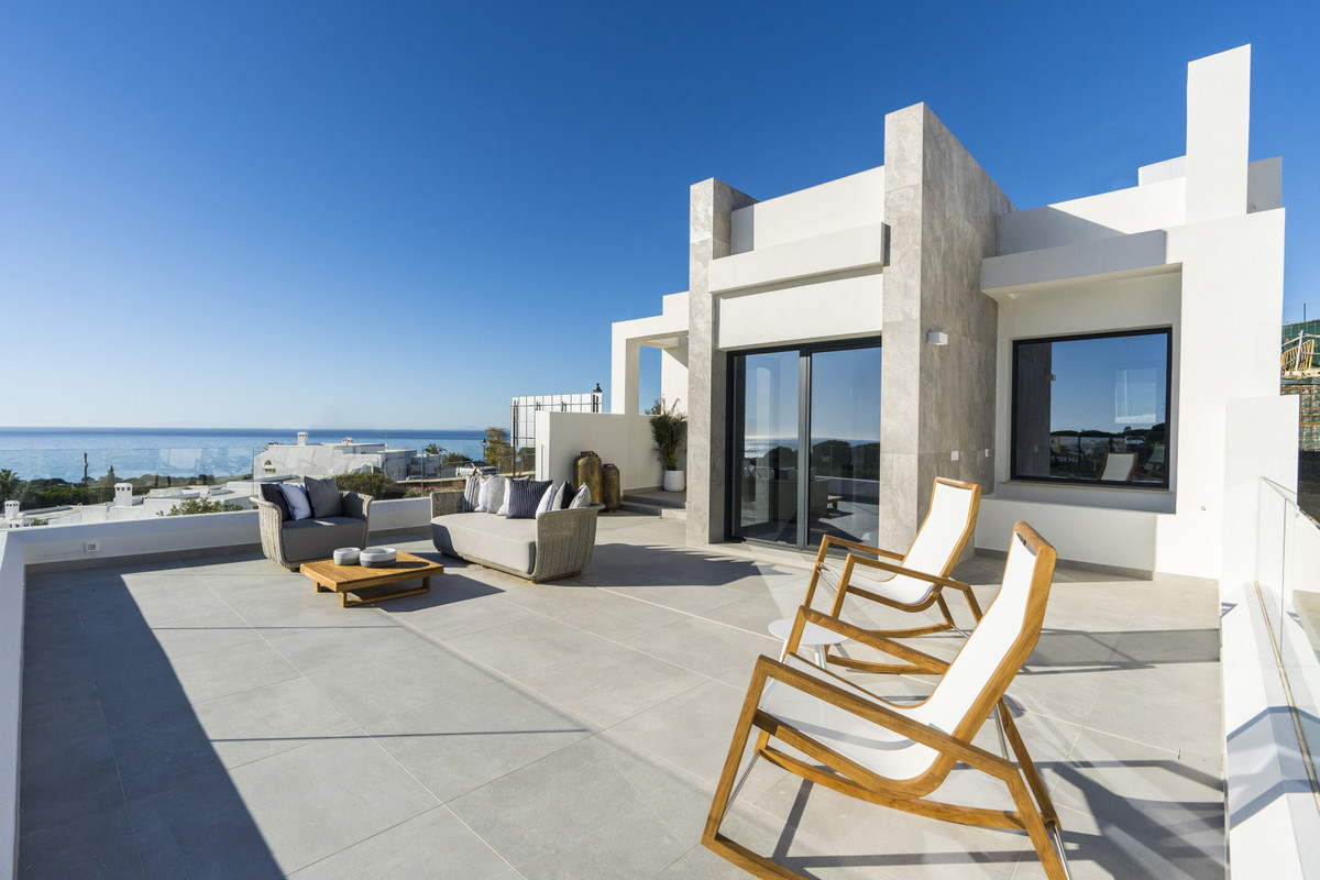 New Development: Prices from € 695,000 to € 1,200,000. [Beds: 3 - 3] [Baths: 3 - 3] [Built,Spain