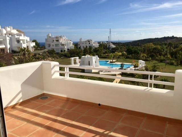 Apartamento Planta Media en venta en Estepona – R3077914