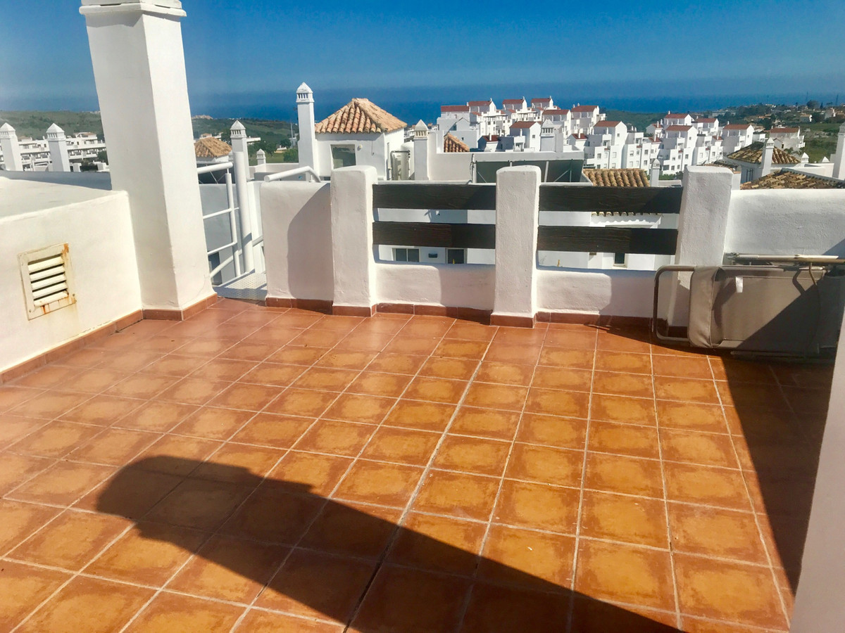 R3413020 | Penthouse in Estepona – € 160,000 – 2 beds, 2 baths