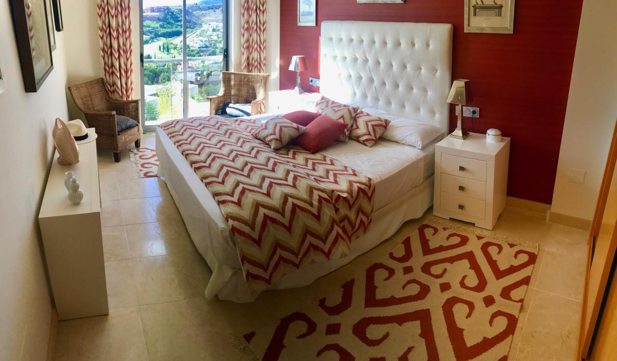 Apartamento Planta Media en Venta en Los Flamingos – R3500164
