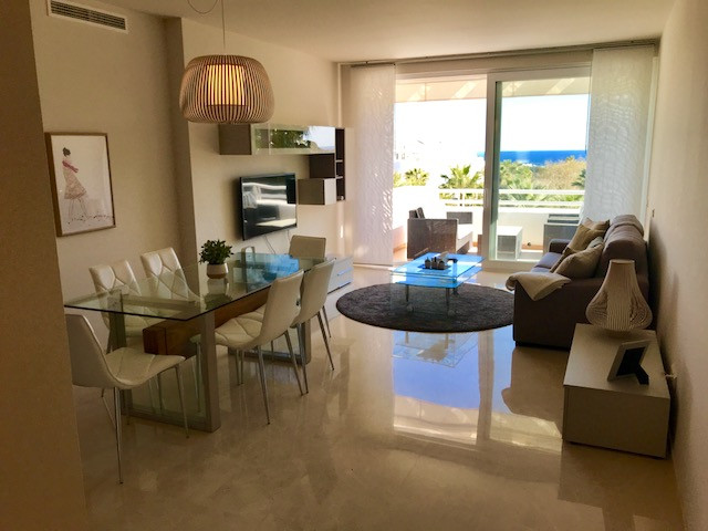 Apartment Middle Floor in Estepona, Costa del Sol